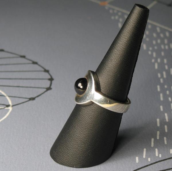 Circle Ring Svart