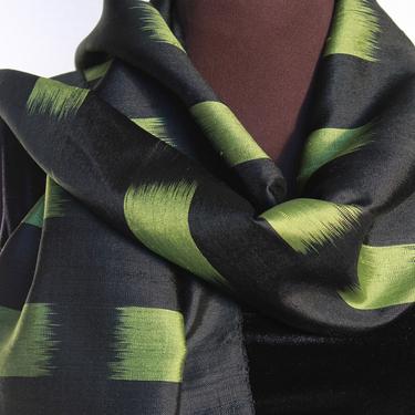 Svart-Grön Ikat Sidensjal