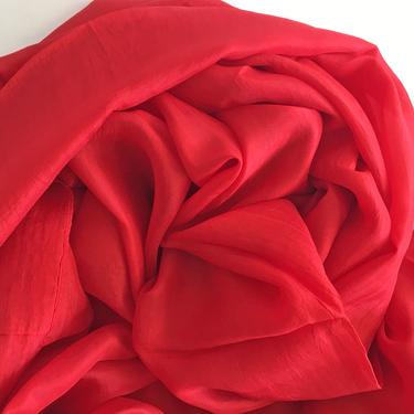 Röd Sidensjal Belle