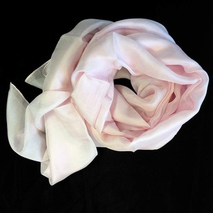 Rosa Sidenscarf Isa  2:a sort.